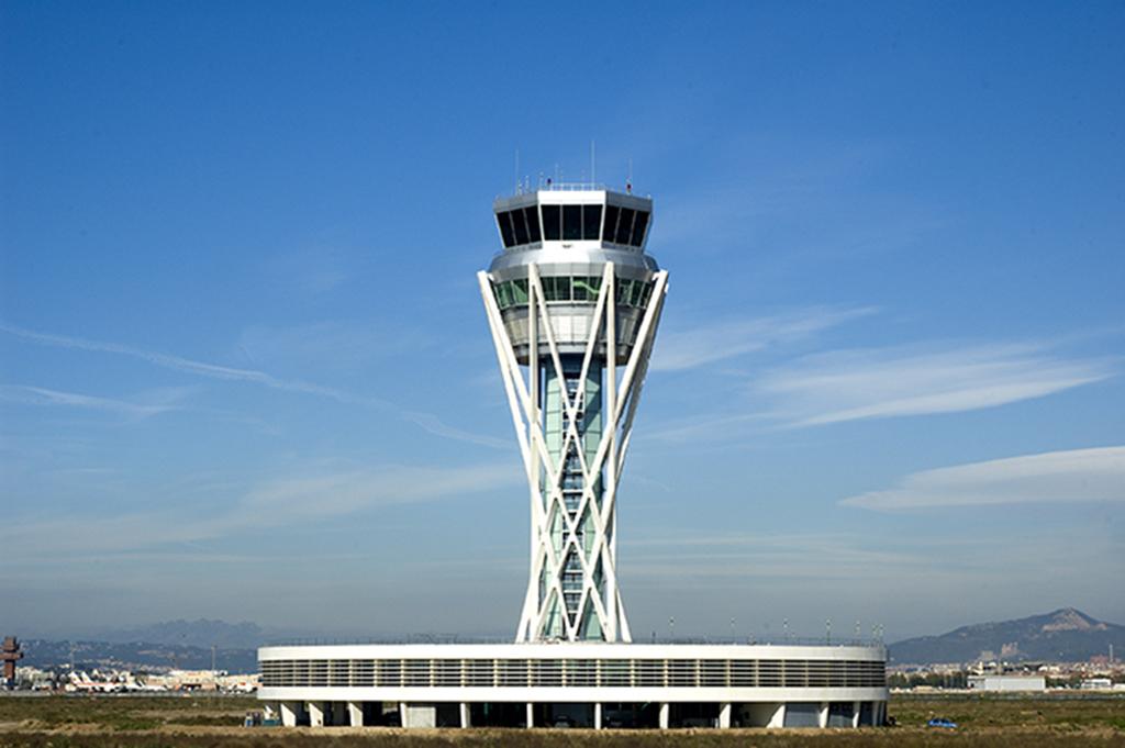 Barcelona/El Prat Airport-Control tower